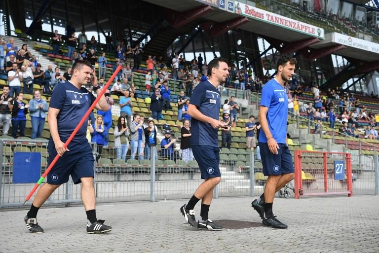 GES / Football / 2nd Bundesliga: Karlsruher SC - Kick - off traini